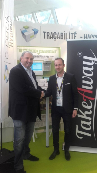 Signature du partenariat Takeaway et ePack Hygiene